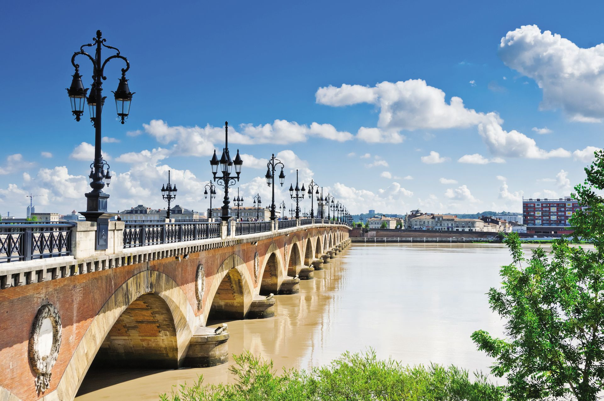 Bordeaux and its region