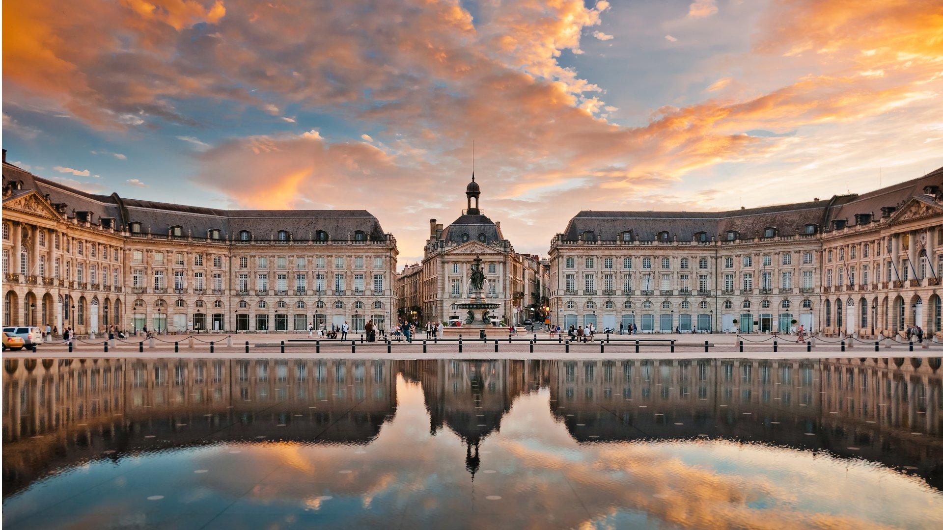 Bordeaux Place de la Bourse Miroir d'Eau top tips to visit