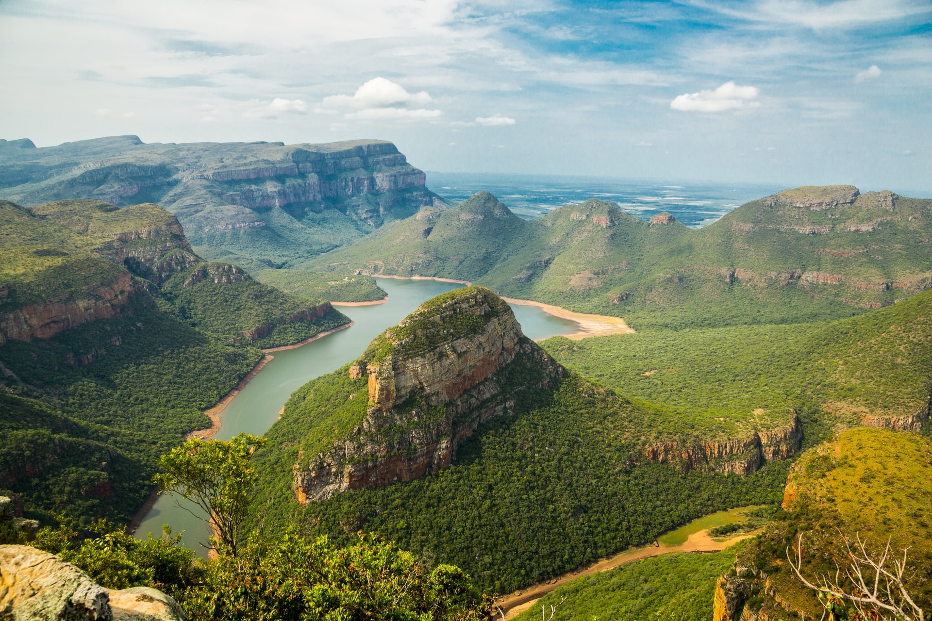 We dream of visiting South Africa, the Rainbow Nation: here's why.