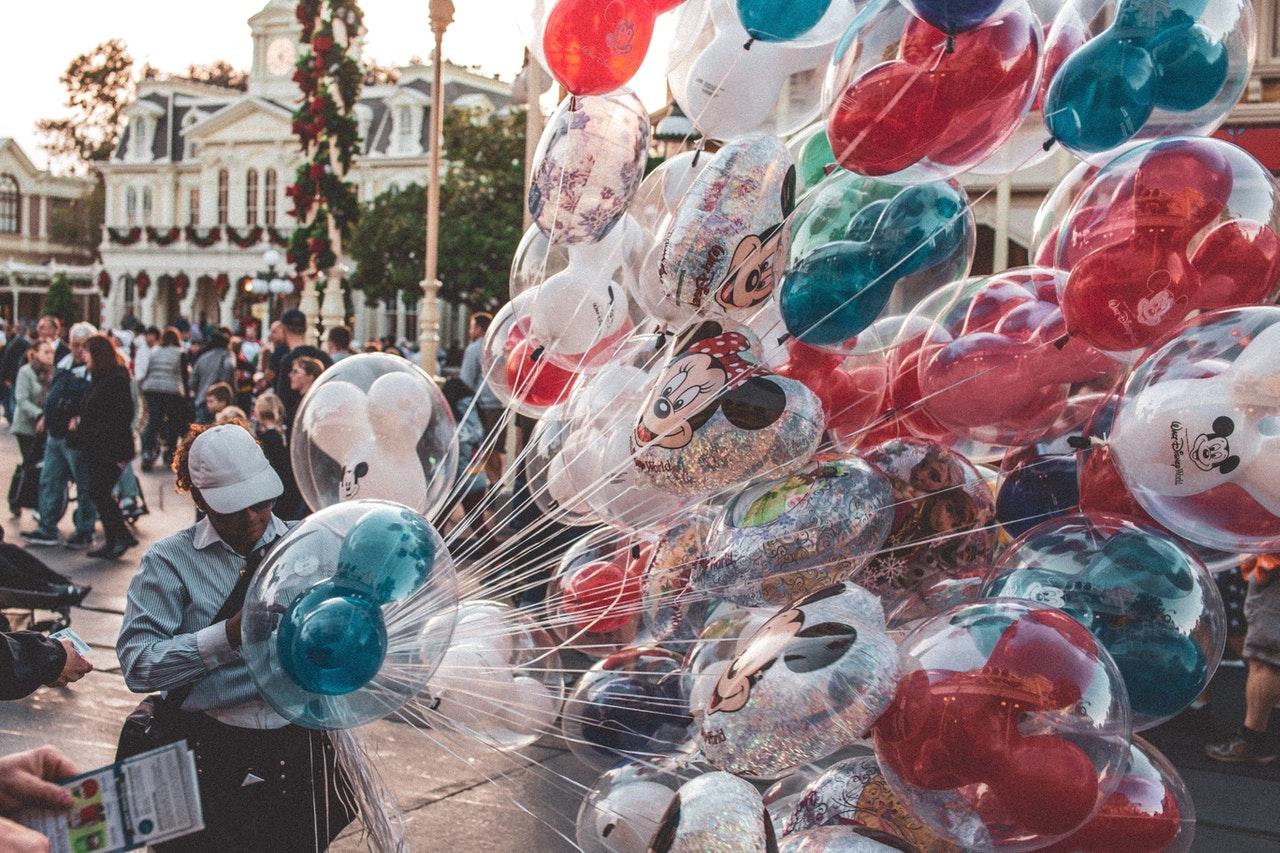 Balloons Disney Disneyland parade